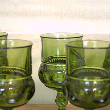 King's Crown Thumbprint Green Wine Glasses, Spring Green Easter Table Decor,  Emerald Colored Indiana Glass Water Goblets