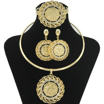 Rose.store New Dubai Jewelry Hoop Necklace Jewelry Sets Gold Coin Shape  Pendant Necklace Ring 0c38251e5e41