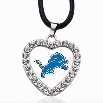 Wimpy kid Detroit Lions Pendant Necklace Best Gift for /Women/Girl/Men/Mom Exquisite Sliver/Rose Gold Women Jewelry