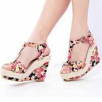 Wholesale Bohemian pure and fresh flowers straw bottom slope Heel height and sandals CZ-0553 black - Lovely Fashion