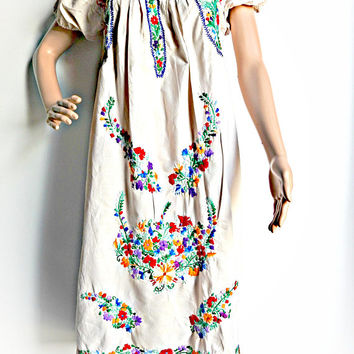 vintage mexican embroidered dress, mexican wedding dress, mexico dresses, hand made dress mexico, mexican dresses for women, hippie wedding