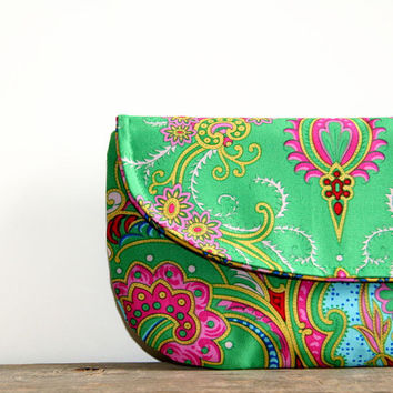 emerald green clutch purse / kelly green / floral / mustard pink / bridesmaids / summer and fall fashion / st. patrick's day