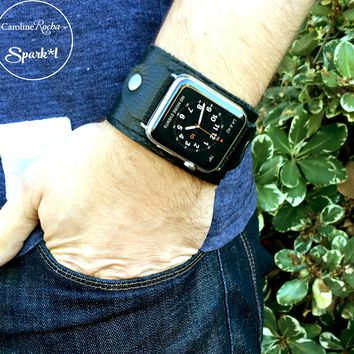 Lux Leather Apple Watch Band in Black w/ Studs