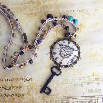Vintage Clock necklace, Crochet necklace, key necklace, Bronze Necklace, Brass Clock Necklace, Retro Clock, Antique necklace, Crochet Beaded