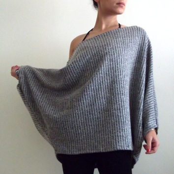Women top/ Oversize knitted top/ Plus size sweater/ by onor