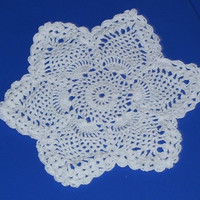 6 Pointed Star Pineapple Doily