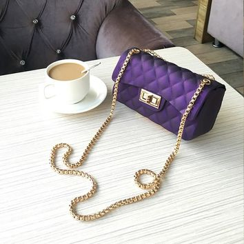 Beautiful chain purse / Purple