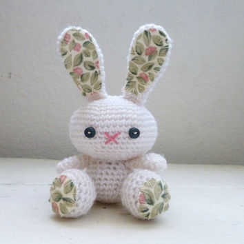 Amigurumi bunny, crochet bunny, white bunny, bunny tail, rabbit doll, amigurumi animal, crochet amigurumi, ready to ship, handmade, kawaii