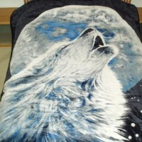 Wolf Howling At Full Moon, Mink Style Queen Size Soft & Warm Blanket