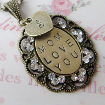 Mom Initial Necklace - personalized - gift for mother - mum - handmade - vintage style - Europe
