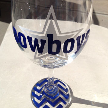Dallas Cowboys inspired with chevron bottoms wine glass beer mug beef glass