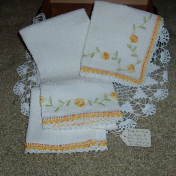 Antique Crocheted Hand Towel And Wash Cloth Made Prior To 1915