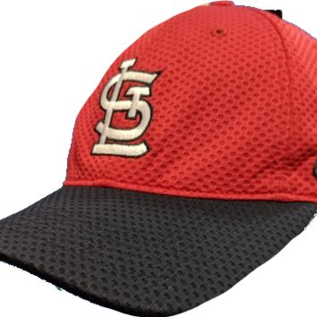 Mens St. Louis Cardinals Nike Mesh Logo Performance Adjustable Hat