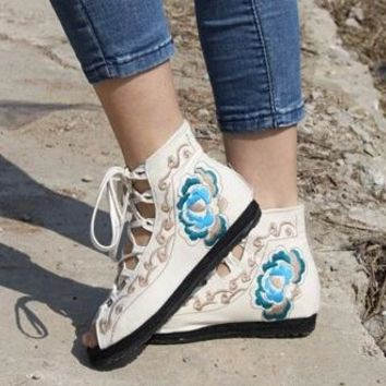 2017 New Embroidery Chinese Folk Style Peep Toe Flats Women's Open Mouth Lace-Up Cut-Outs Flat Platform Casual Sandal Shoes