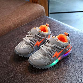 2018 European cool hot sales LED lighted children sneakers glitter fashion baby girls boys shoes casual Elegant kids shoes
