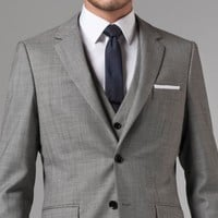 ESSENTIAL GRAY THREE-PIECE SUIT