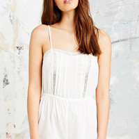 Daisy Lace Trim Playsuit in White - Urban Outfitters