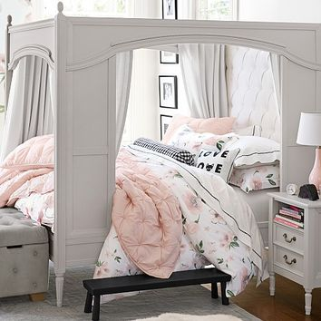 Blythe Carriage Bed