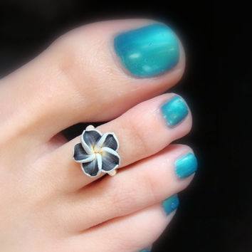 Black Polymer Flower Stretch Bead Toe Ring