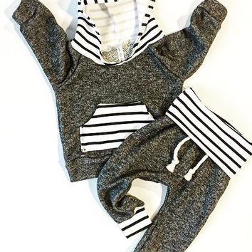 Baby clothes / baby boy outfit / baby boy clothes / baby girl clothes / baby girl outfit / black / newborn baby boy / newborn baby girl