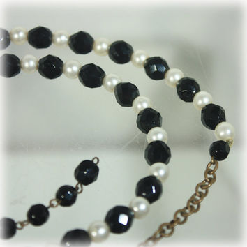 Black White Necklace, Bead Necklace, Pearl Necklace, MCM Vintage, Mid Century Modern