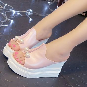 Women Platform Sandal Slippers With Pearl Detailing