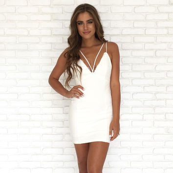 Legend Lace Bodycon Dress In Ivory
