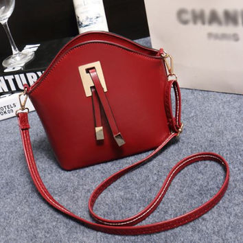 Stylish Women's Messenger Handbag - Crossbody Shoulder Style
