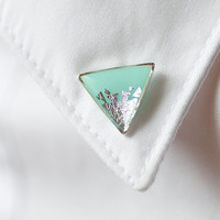 Mint Silver Triangle collar brooch - Geometric collar pin - tiny round clips