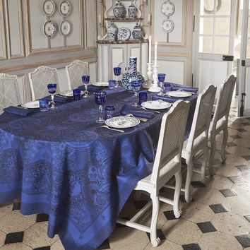 Porcelaine Table Linens in China Blue