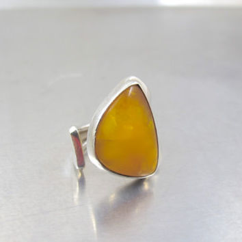 Sterling Amber Ring, Egg Yolk Butterscotch Amber, Modernist Mid Century Statement Baltic Amber Ring, Open Shank Spoon Style Ring,  Size 7