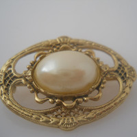 Cabouchon Brooch Gold Tone Filigree Faux Pearl Vintage Cabouchon Brooch