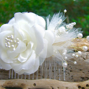 Beach Bridal Floral Hair Comb,Starfish Hair Comb,Starfish Hair,Beach Weddings,Destination Wedding,Nautical Hair Accessory,Mermaid Weddings