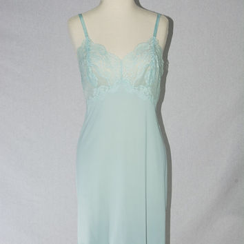 Vintage 1950s Baby Blue Full Slip Dress Vanity Fair Nightgown Lace Pin-up M 34