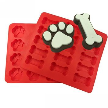 2pcs Food Grade Puppy  Paws Bones Silicone Baking Molds