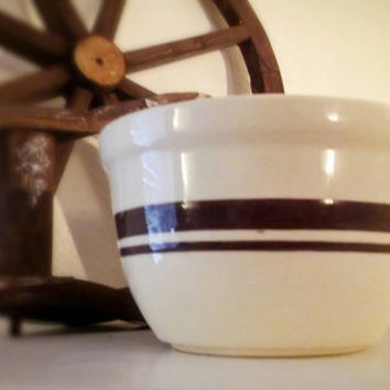 Vintage McCoy 125 Mixing Bowl pint size Banded Brown