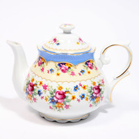 Urban Outfitters - Regency Roses Teapot