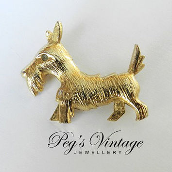 Vintage Scotty/ Scottish Terrier Dog Pin//Gold Tone Dog Brooch with Rhinestone Eyes