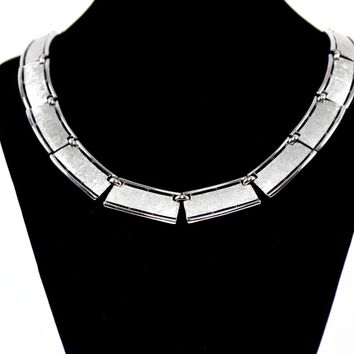 Vintage Trifari  Necklace - Vintage 1970 Necklace - Vintage Modern Necklace - Gift for her - Statement Necklace  - Fashionista - Silver tone