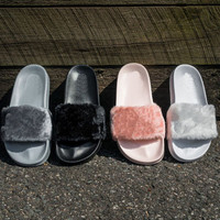 2017 Cheaper Hot Rihanna Fenty Slippers Women Slipper Shoes Leadcat Fur Slides Indoor Sandals Girls Fashion