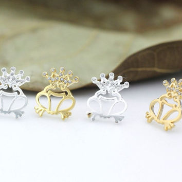 Frog prince stud earrings - unique gift - trend gift - christmas gift - birthday gift - animal jewelry- fashion jewelry-free shipping