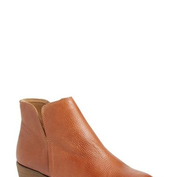Women's Splendid 'Hamptyn' Almond Toe Ankle Bootie,