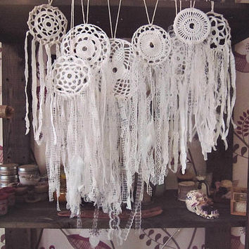 Dreamcatchers Wedding Decoration - Multiple White Dream Catchers Set  - Boho Wedding - Bohemian Lace Dream Catcher - Gypsy Wedding Favors