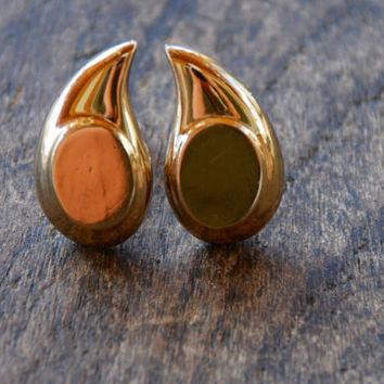 Vintage MONET Clip On Earrings Shiny Gold Tone Teardrop Mad Men Mid Century 1960's // Vintage Designer Costume Jewelry