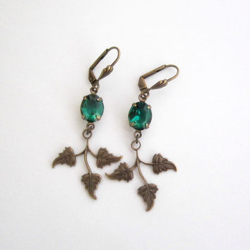 Emerald Green Earrings - Art Deco Jewelry - Vintage Crystal Rhinestone - Leaf