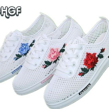 Women White Mesh embroidery shoes woman summer shoes Breathable moccasins cute lolita shoes tenis femme tufli zapato de mujer