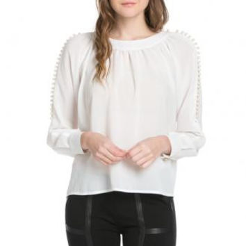Scoop Neck Blouse w/ Lovely Pearls YT3041