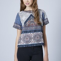 SCARF PLACEMENT PRINT TEE