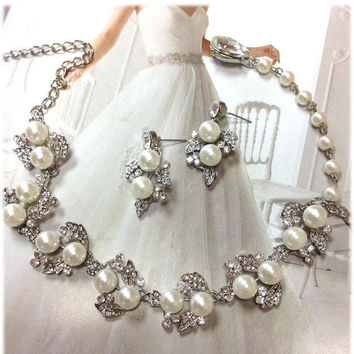 Bridal jewelry set, wedding jewelry, bridesmaid jewelry set, backdrop necklace earrings, vintage inspired pearl necklace, bridal necklace