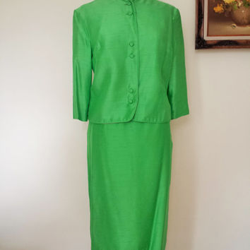 Vintage 1960s Apple Green Silk Suit / 60s 2 Piece Suit / 1960s Suit / Vintage Work Clothes / Mod Suit / Kelly Green Silk /